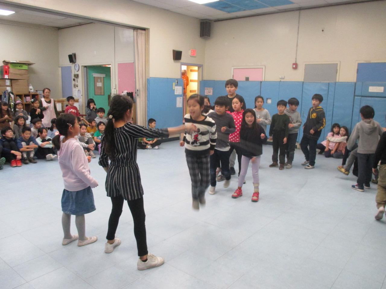 3年生の新たな挑戦 長縄跳び大会